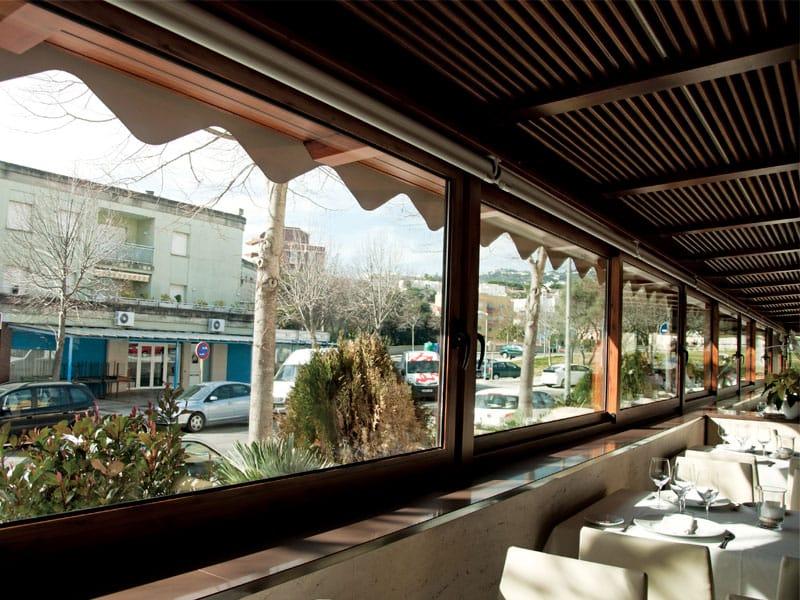 restaurante aradi interior