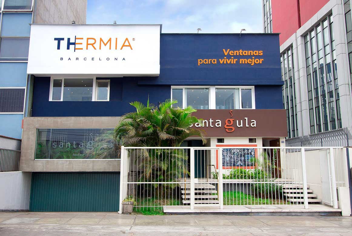 Showroom ventanas antiruido Thermia en Lima