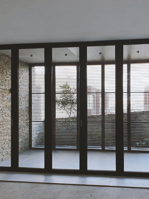 Thermia DECOR- protección solar en fachada