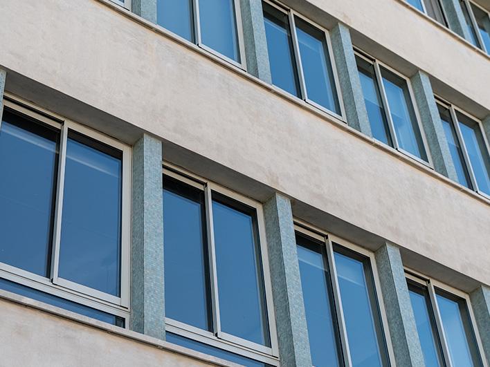 arquitectura - ventanas thermia barcelona edificio exterior mila i fontanals