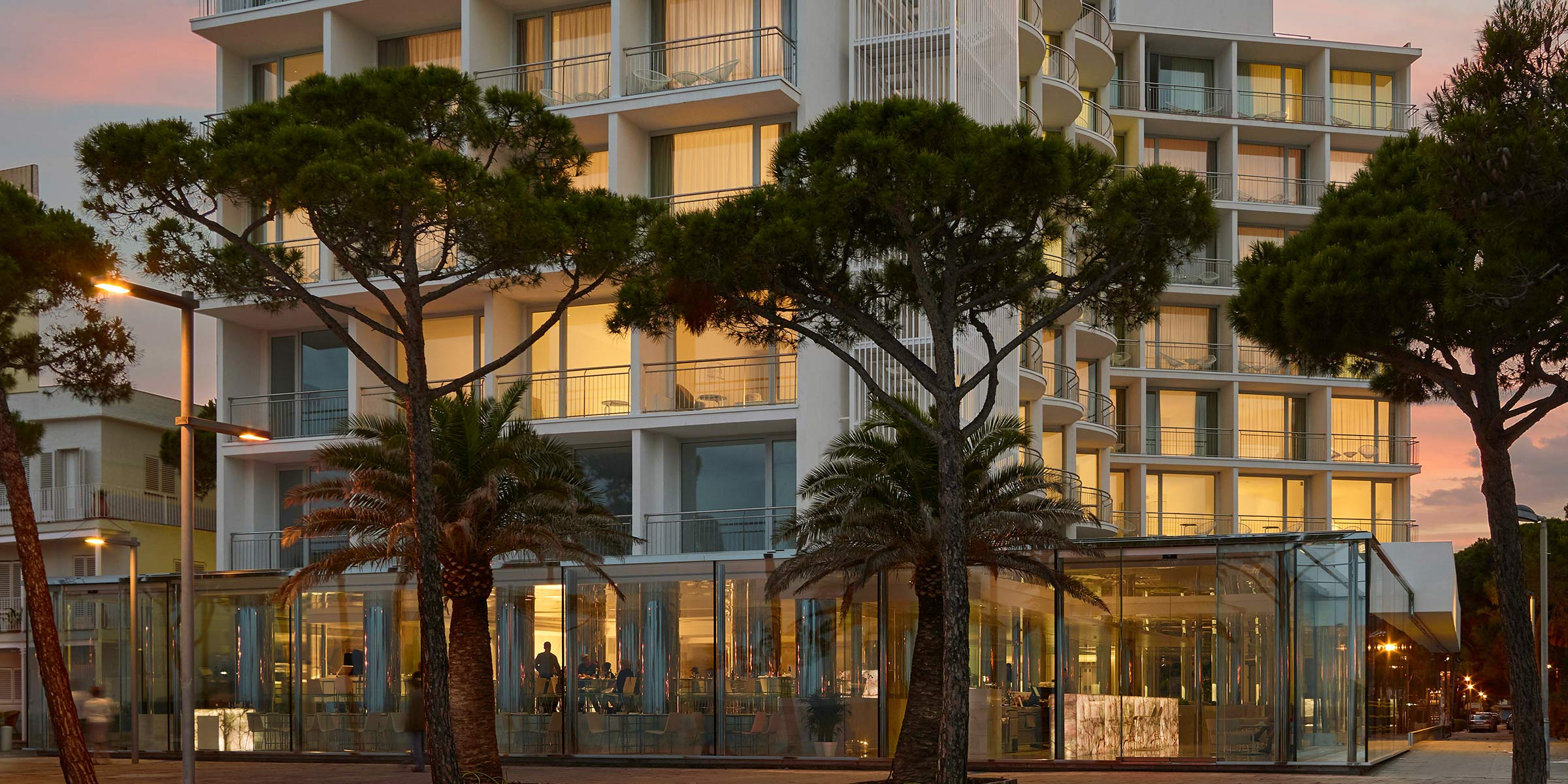 Ventanas-aluminio-calidad-Thermia-Barcelona-AR62_hotelAromar